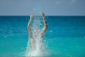 Man%20Splashing%20Water-ID8270-1280x854